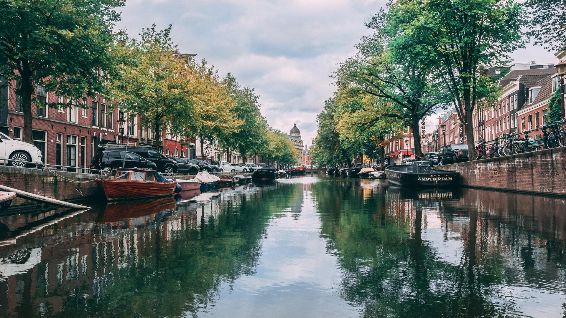 amsterdam-architecture-boats-1796705 (2)